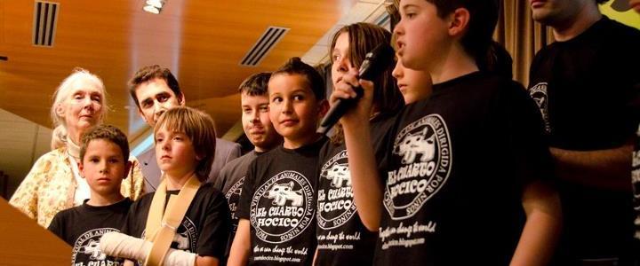 Crianças pedem o cancelamento de tourada