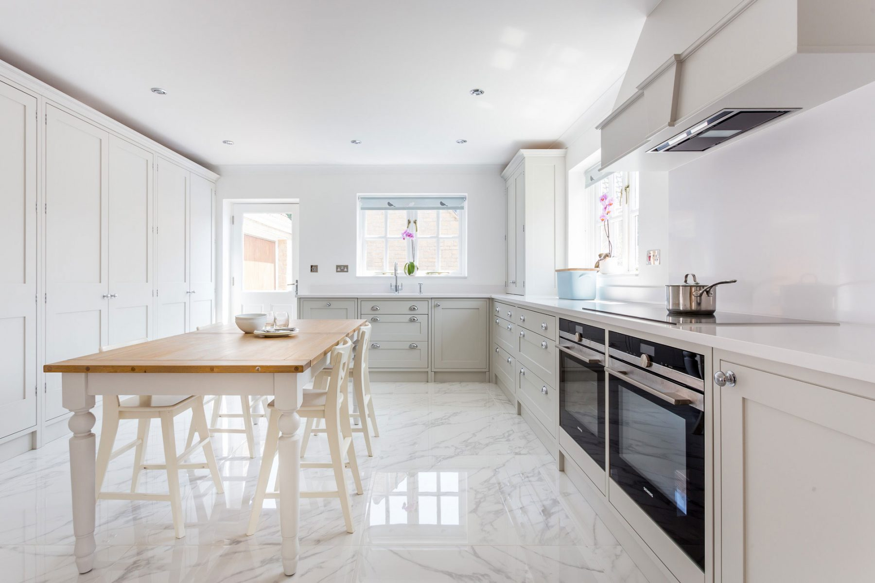 White Marble Kitchen Floors Off White Shaker Kitchen