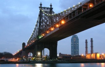 Queensboro_Bridge_From_Roosevelt_Island_Night