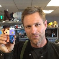 Aaron Eckhart reunites with Two-Face (photo)