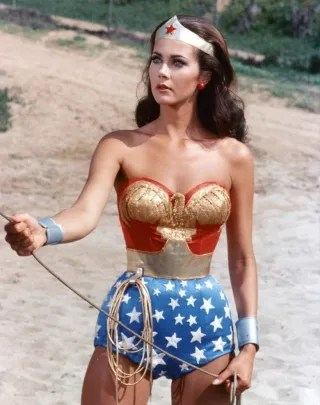 Gal Gadot's Wonder Woman costume likely won't resemble Lynda Carter's from the TV show