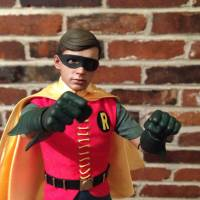 Hot Toys Robin (1960s TV Series) Sixth Scale Figure review