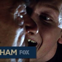 "'Gotham' red band trailer teases violence from ""The Maniax"""