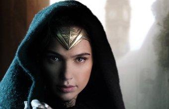 Gal-Gadot-Wonder-Woman-F