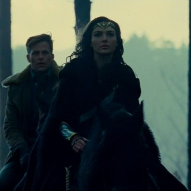 Chris Pine explains how 'Wonder Woman' is different than male superhero movies (video)