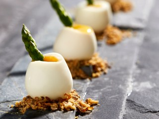 Quails eggs with asparagus and dukkah