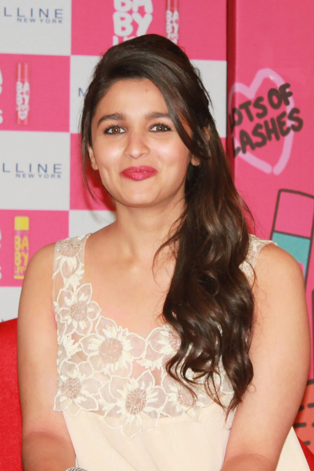 alia bhatt bikini in student of the year 1080p backgrounds