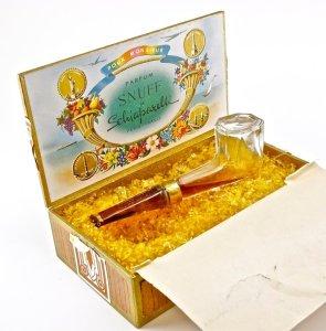 snuff-de-schiaparelli-box-open
