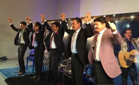 Tigres Del Norte Golpes En El Corazon