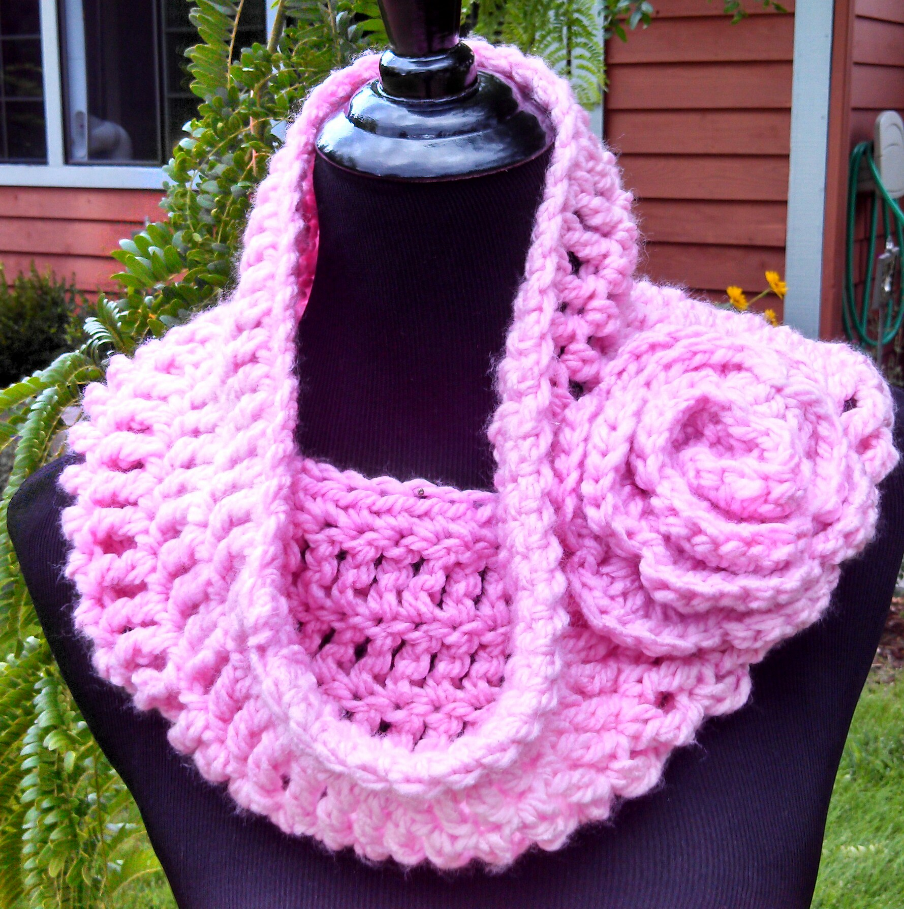 Free Cowl Pattern To Crochet : Soft and Stylish Cowl? Free Crochet Pattern!