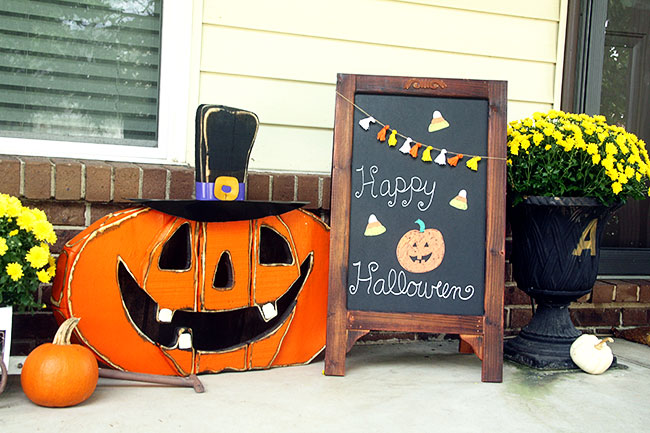 Guest Post - Curly Crafty Mom's Halloween Home Tour