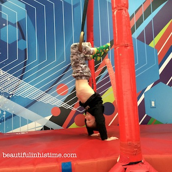 19 little acrobat