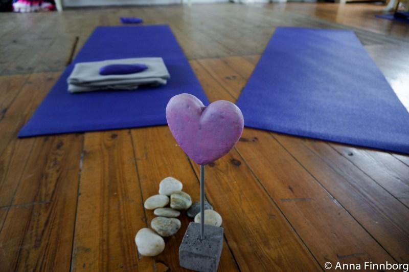 frigörande-dans-yogamattor