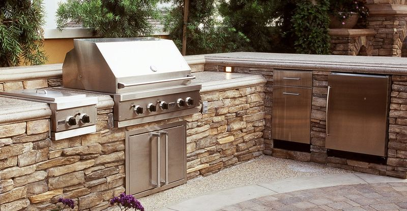 Outdoor kitchen great idea for you Kitchens designs ideas - outside kitchen designs