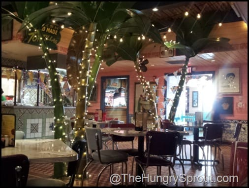 Chuy's dining room