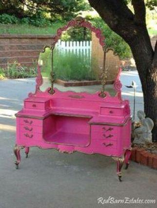 pink-vanity-table