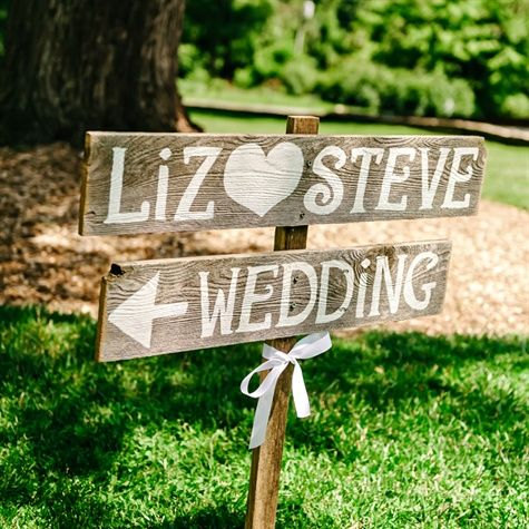 wooden-sign-wedding-decoration