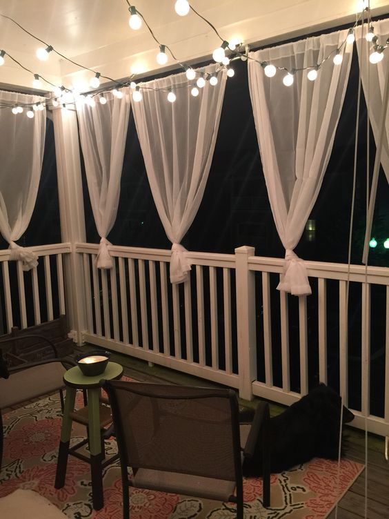 Small balcony ideas beauty and the mist for Small balcony decorating ideas on a budget