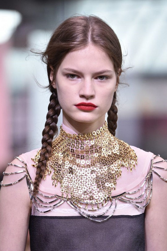prada-resort-2018-braids-hair
