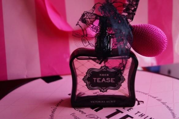 Noir Tease från Victorias Secret
