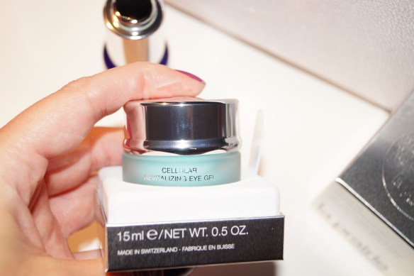 Revitalizing Eye Gel i oktober