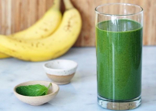 superfood-chlorella-smoothie
