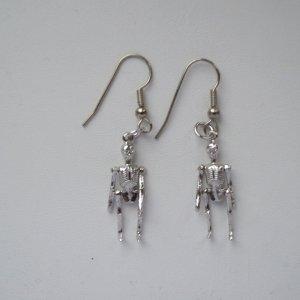 skulls, skull earrings, sterling silver, halloween, halloween jewelry, skeleton, skeleton earrings