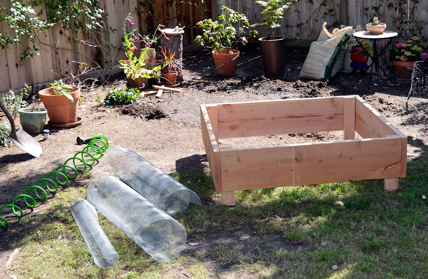 Diy Raised Garden Bed On Legs Build Raised Garden Bed Plans On Legs Diy Bookshelf Design