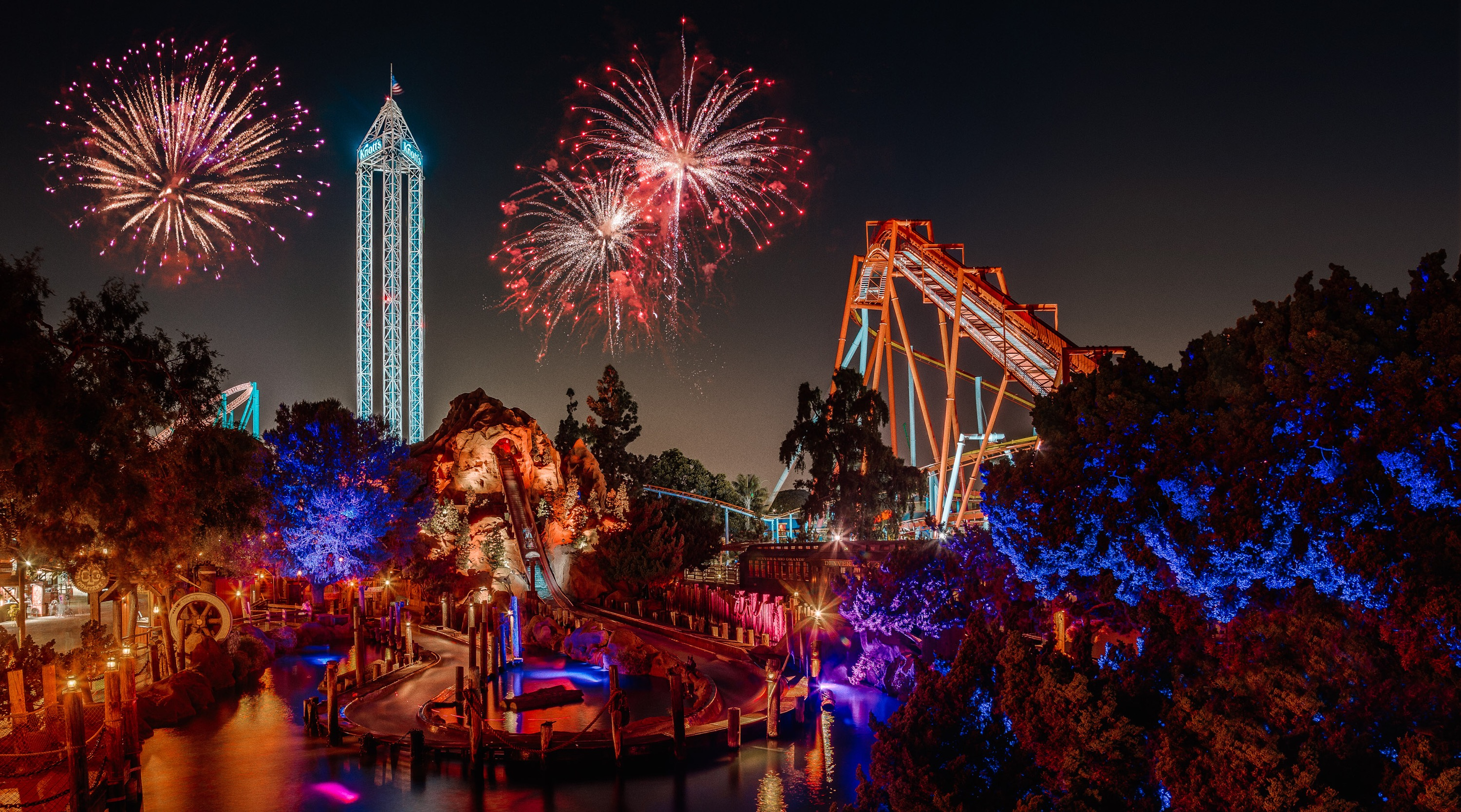 Tivoli Christmas Rides Behind The Thrills | Knott's Berry Farm Announces 4th Of
