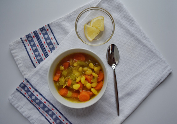 Easy Homemade Vegetable soup recipe + 9 soups to keep you cozy this winter!