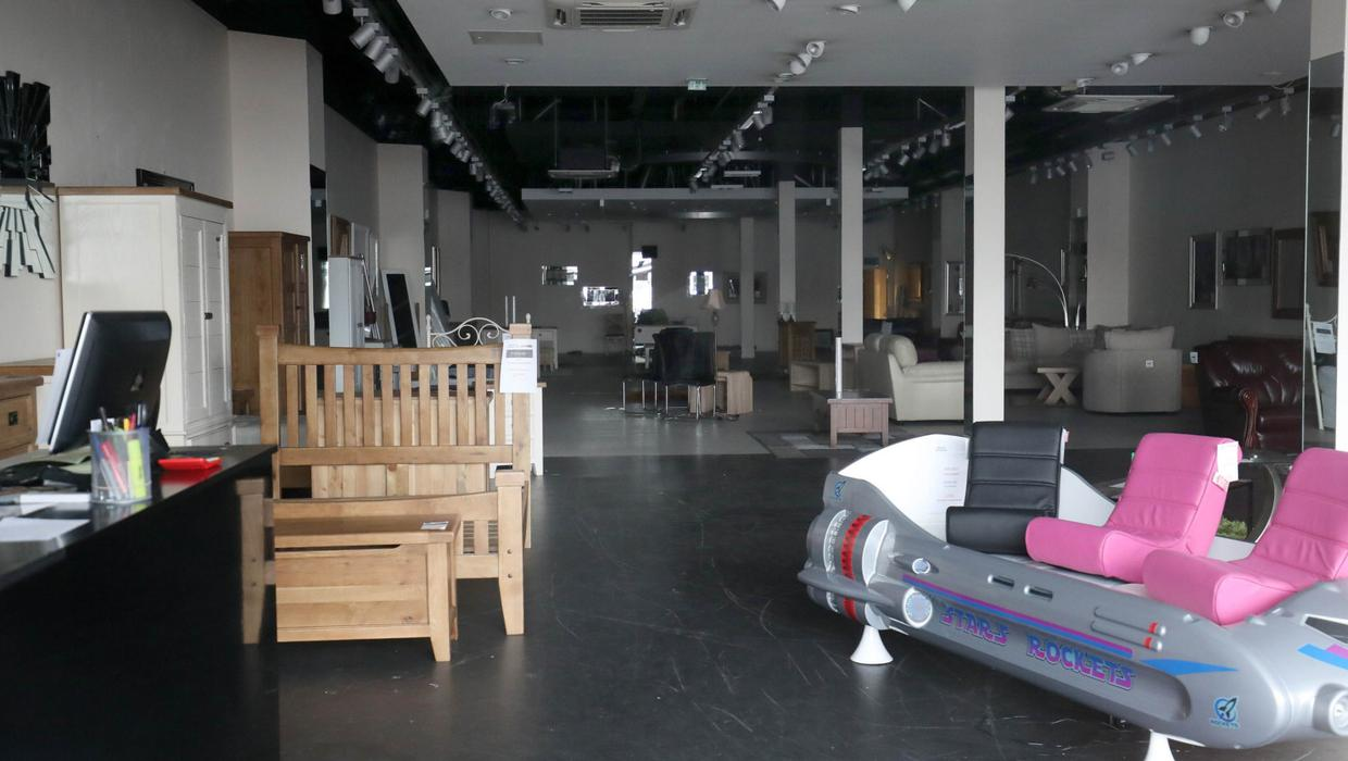 Rival Firm Ez Living Helps Northern Ireland Shoppers Who Lost Deposits When Furniture Store Shut Belfasttelegraph Co Uk