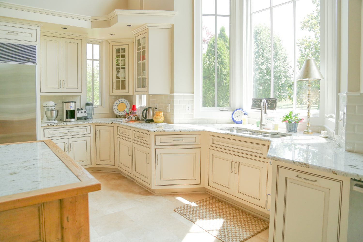 Glazing Kitchen Cabinets What Is Cabinet Glazing Bella Tucker Decorative Finishes