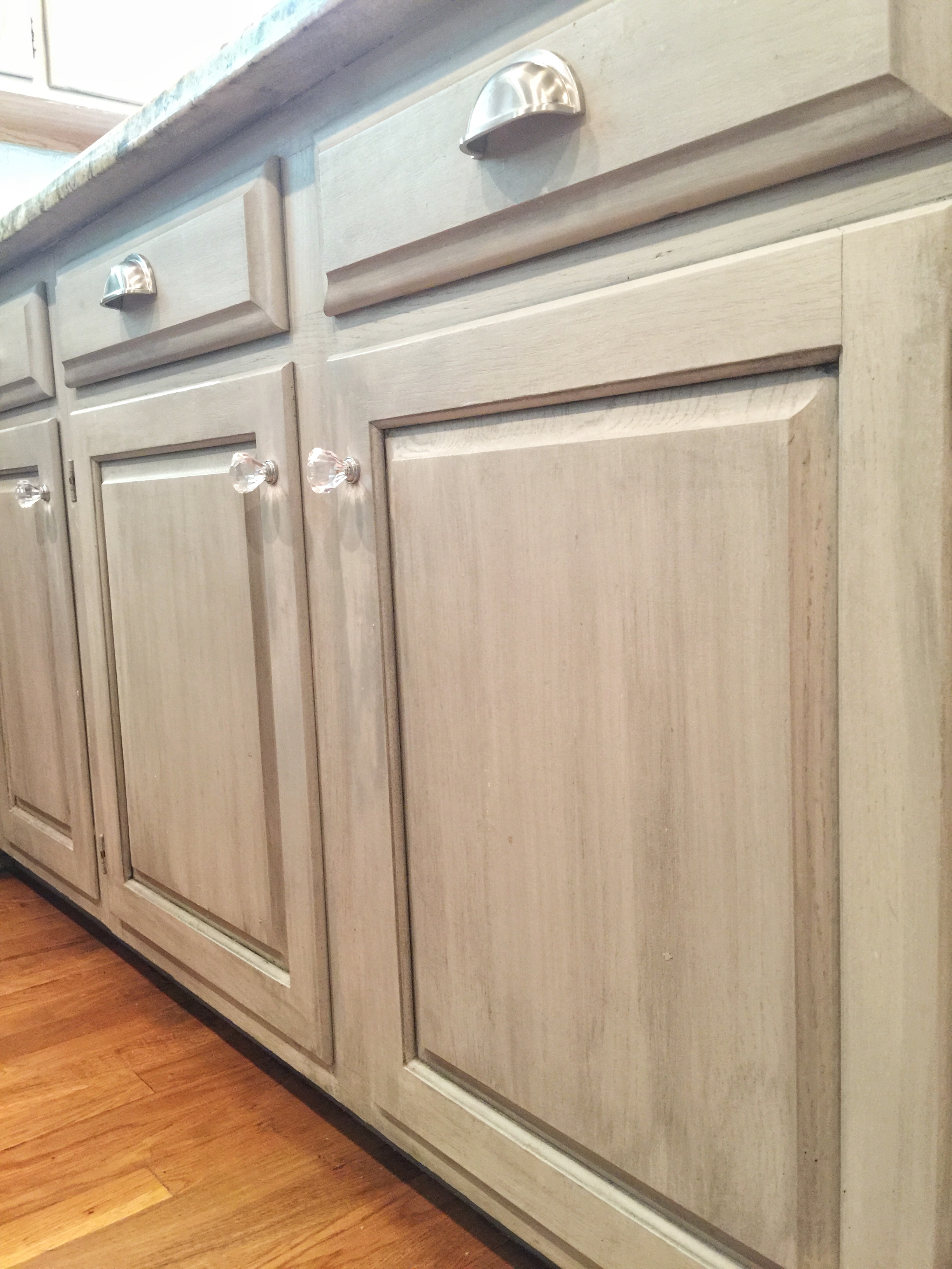 Glazed Kitchen Cabinets What Is Cabinet Glazing Bella Tucker Decorative Finishes