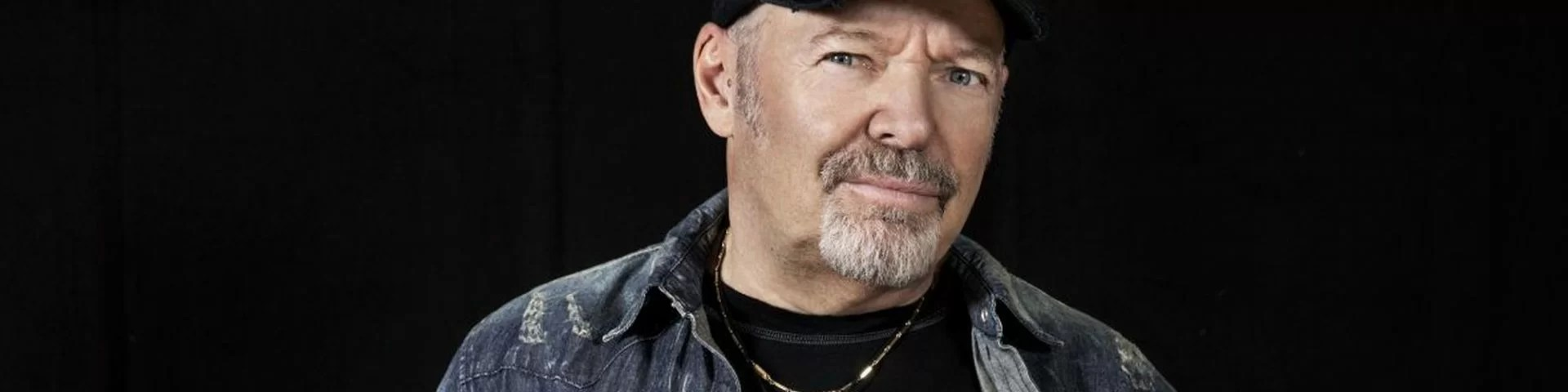 Accordi E Vasco Rossi Vasco Rossi Tour 2018 Scaletta E Video Della Data Zero
