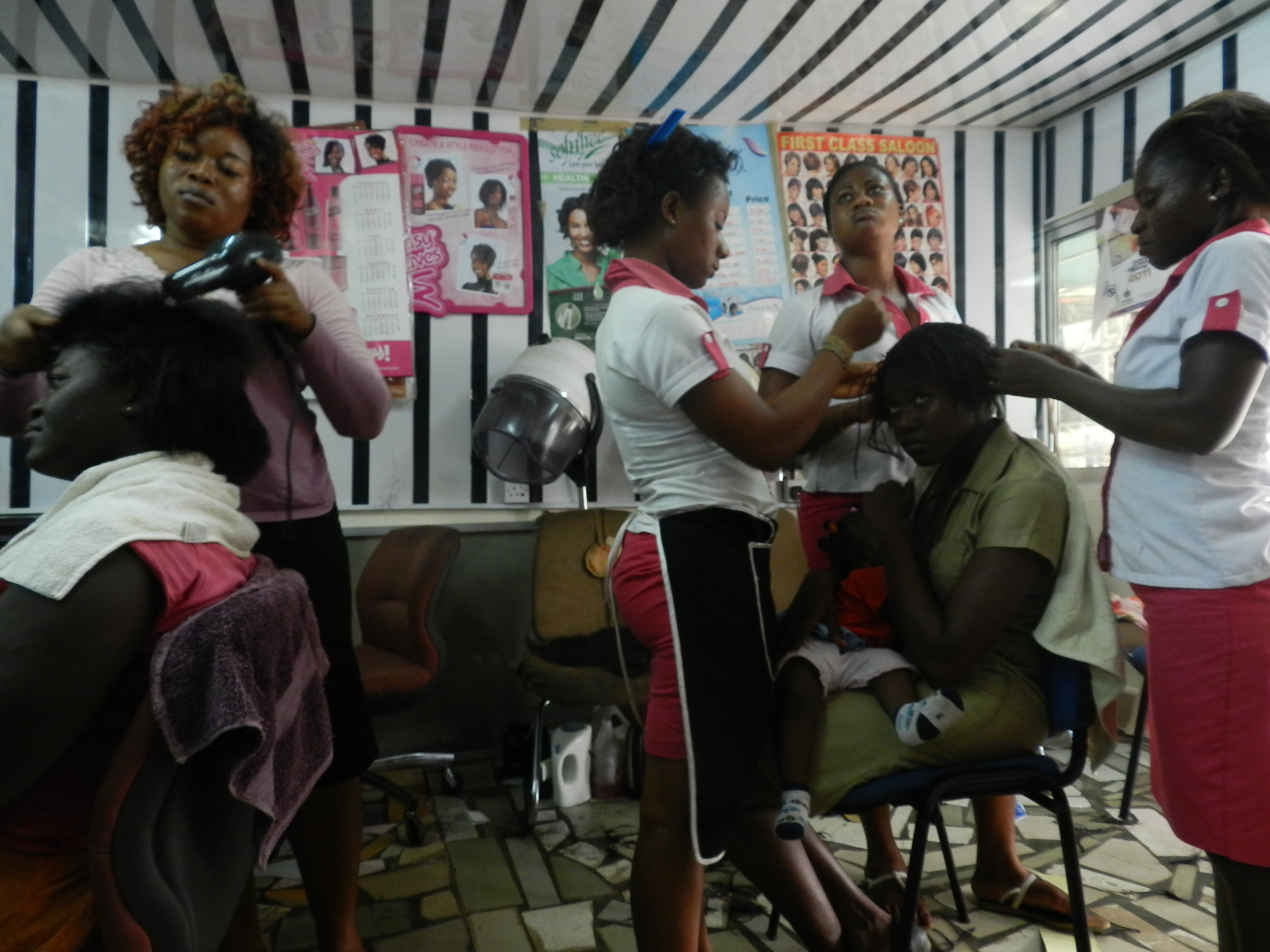 Africain Salon 8 Things That Always Happen At African Hairdressers