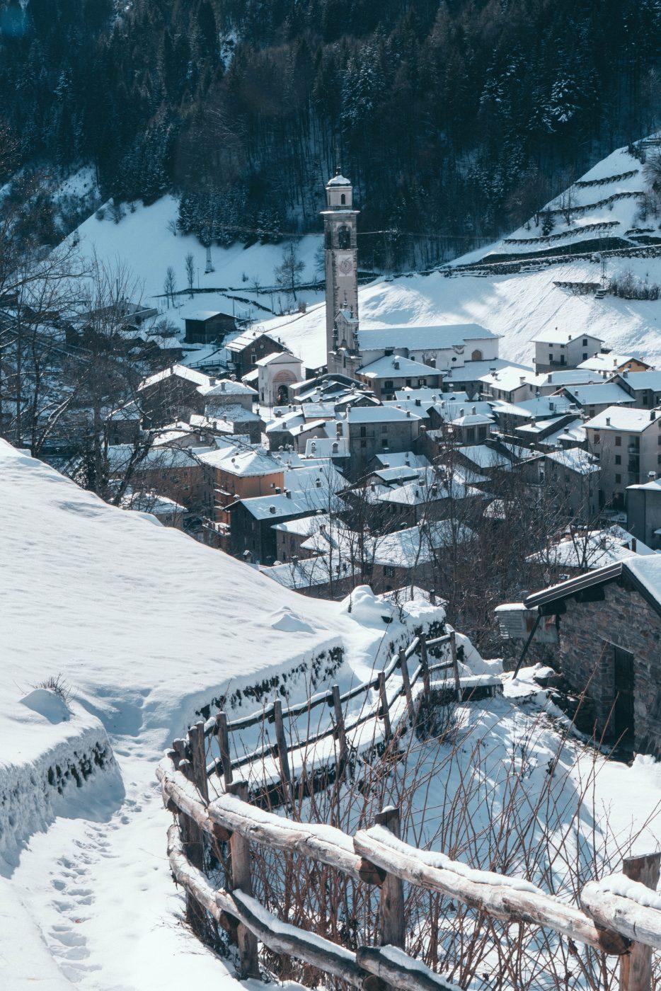 Snowshoe hike to Gerola Alta, Valgerola, Valtellina