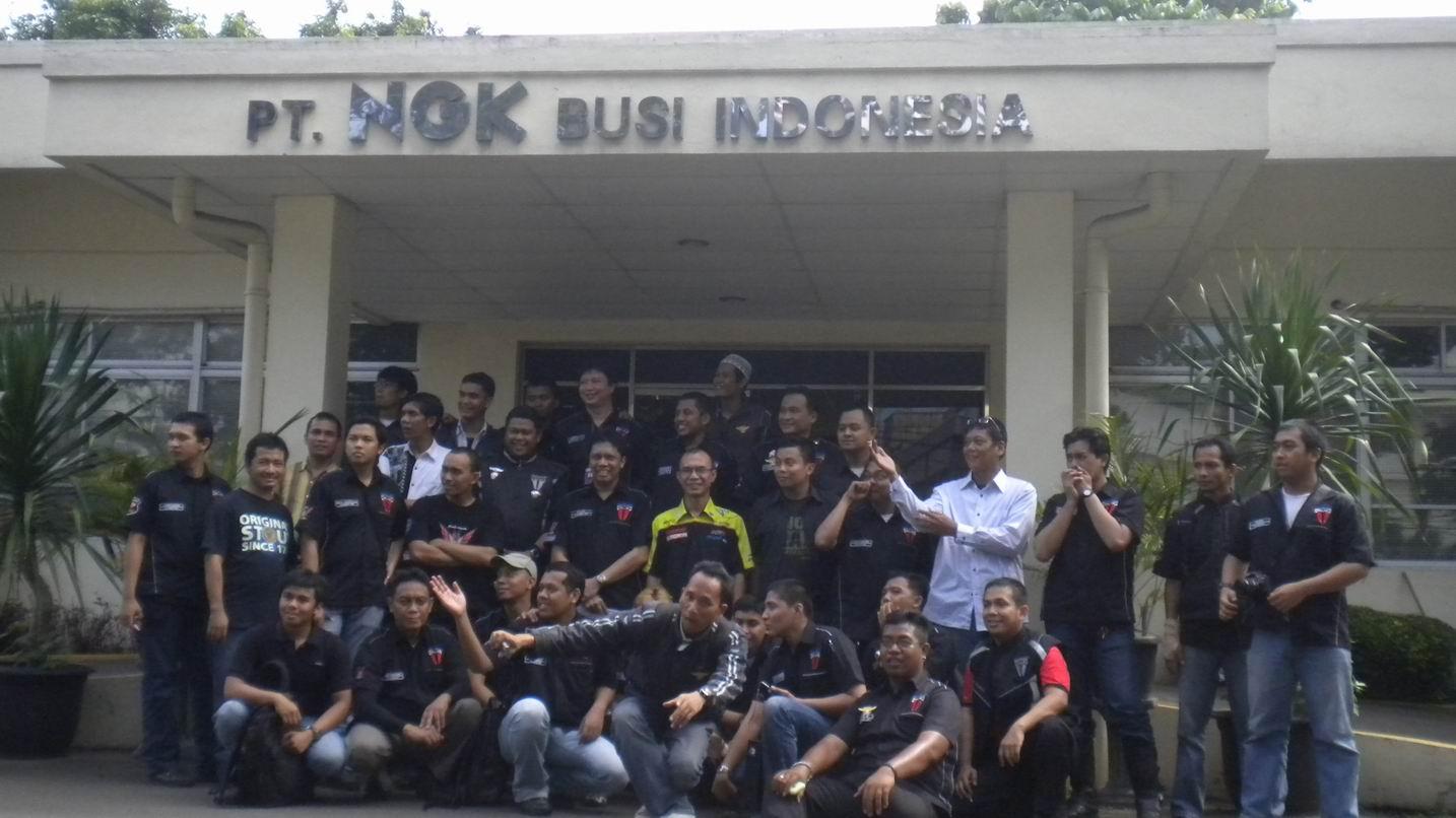 Daftar Pabrik Keramik Di Indonesia Daftar Perusahaan Alat Berat Di Indonesia Cari Alat Kunjungan Pulsarian Community Ke Pabrik Busi Ngk Bennythegreat