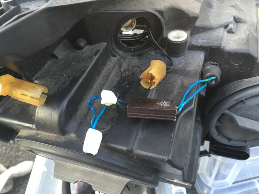 W204ヘッドライト修理