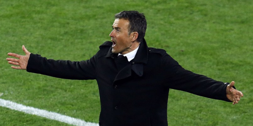 "Barcelona's coach Luis Enrique gestures from the sidelines during the Spanish league ""Clasico"" football match FC Barcelona vs Real Madrid CF at the Camp Nou stadium in Barcelona on April 2, 2016. / AFP PHOTO / PAU BARRENA"
