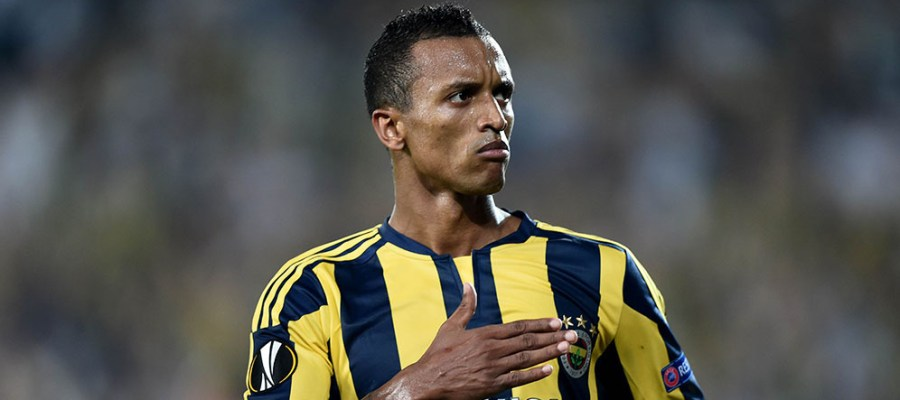 Fenerbahce's Luis Nani celebrates after scoring a goal during the Europa League football match between Fenerbahce and Molde on September 17, 2015 at the Ulker Fenerbahce Sukru saracoglu stadium in istanbul. AFP PHOTO / OZAN KOSE