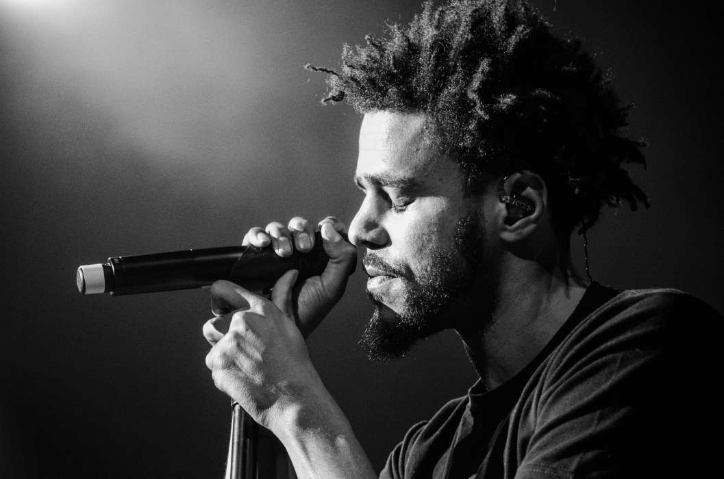 Legend Of The Fall Tour Wallpaper J Cole Brings A Hearty Mix Of Hip Hop And Comedy To The