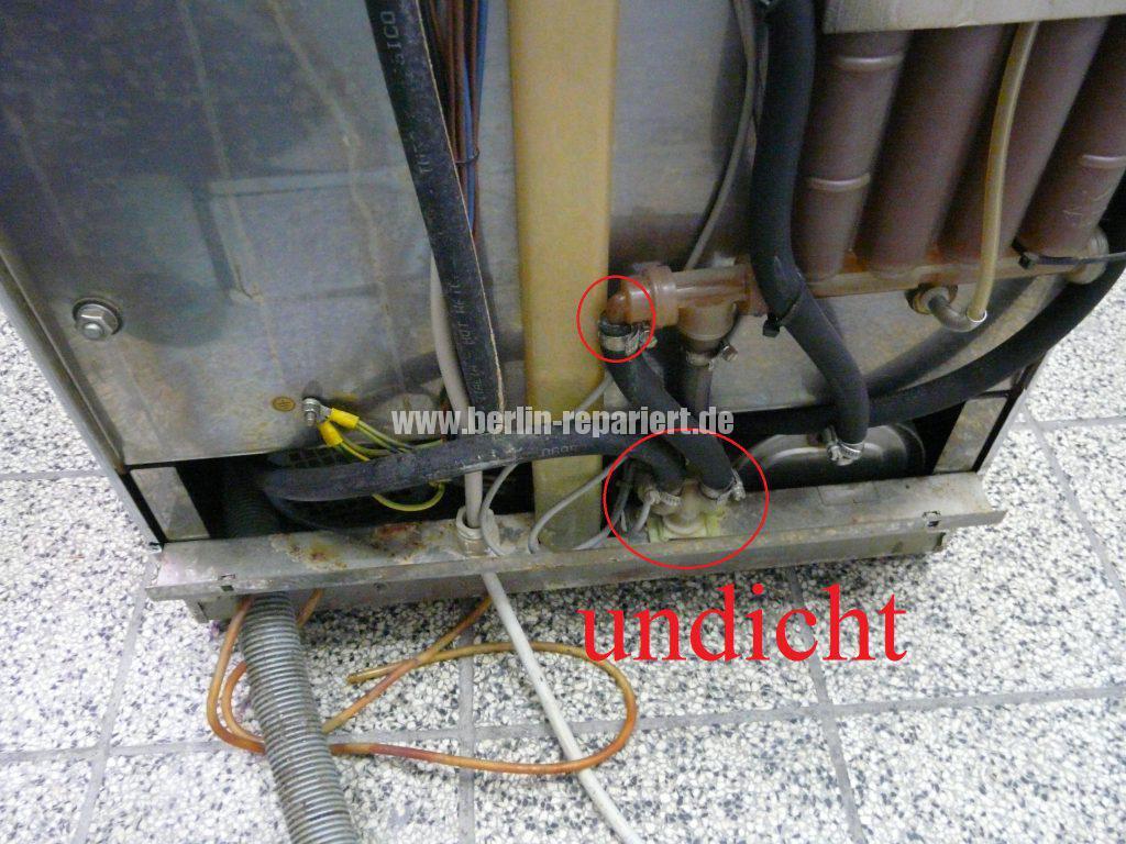 Siemens Kühlschrank Verliert Wasser : Spülmaschine verliert wasser von unten: spülmaschine verliert wasser