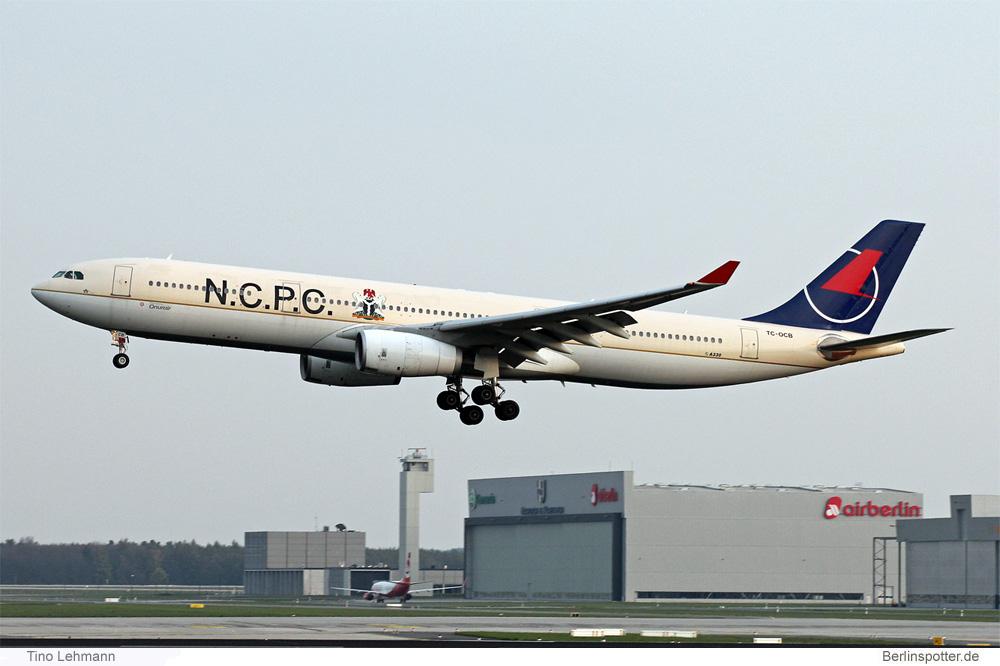 Onur Air Airbus A330-300 TC-OCB
