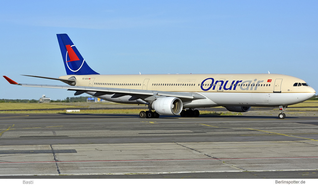 Onur Air Airbus A330-300 TC-OCA