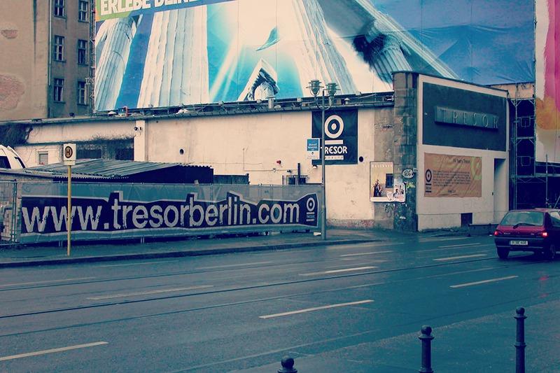 Tresor diskoteka, Potsdamer Platz alboan. 2005ean itxi, eta oinerdekoa Kreuzbergen zabaldu zuten. Hans Veneman (CC BY).
