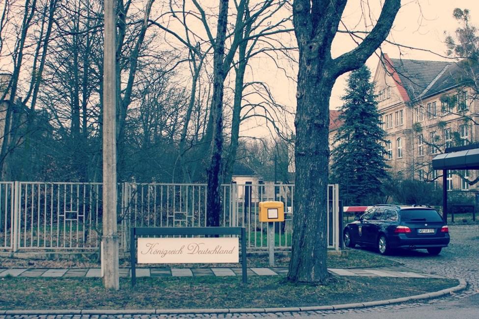 Alemaniako Erreinua Wittenberg kanpoaldean dago (Saxonia-Anhalt). Ekialdeko osasun sistemaren klinika izandakoa zen, Harresia erori ondoren utzitakoa.