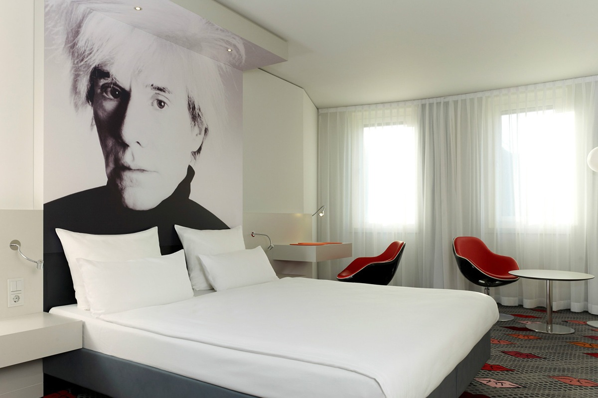Arte Luise Kunsthotel Guide To The Coolest Art Hotels In Berlin Berlin Street Art