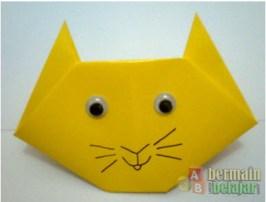 membuat origami kucing