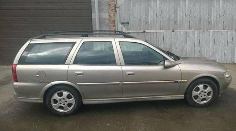 автомобиль Opel Vectra