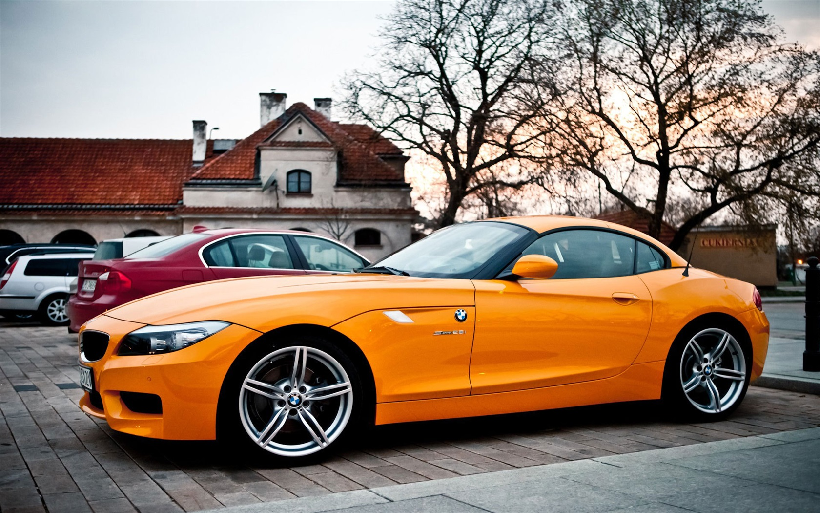 Red And White Car Wallpaper 1920x1080 Wallpaper Bmw Z4 Orange Car 1920x1200 Hd Picture Image